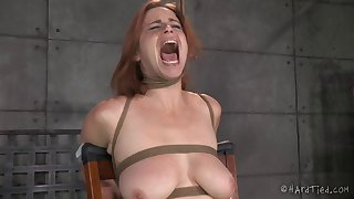 Slave girl Bella Rossi gets her mouth increased by pussy penetrated