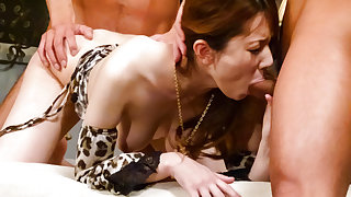 Mature, Yui Hatano, likes fucking with two hunks