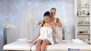 The fate of adventures with lesbian masseuse and her despondent client