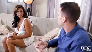 Big Beautiful Women Girl Gets Got Laid By Therapist - chloe lamour