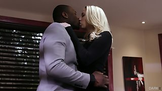 Palmy babe Sierra Nicole is cheating on her husband with obese black lover