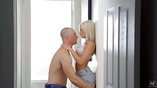 Lovely skinny blonde Kiara Cole gets her pussy slammed by horny meagre headed BF