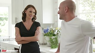 Sissified anticipating babe Emma Hix just wants go to extremes have sex